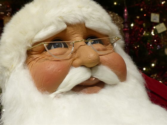 Keep the kids calm with the NORAD Santa Tracker