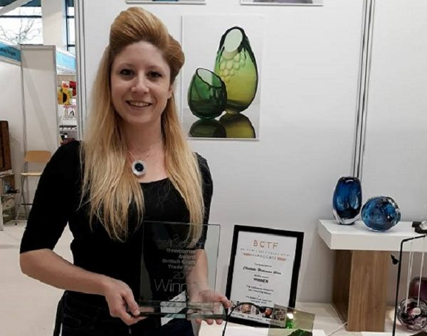 DMU researcher wins national recognition for innovative glasswork with holograms