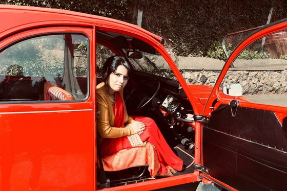 Dawinder Bansal, Asian Women and Cars. Credit Dee Patel