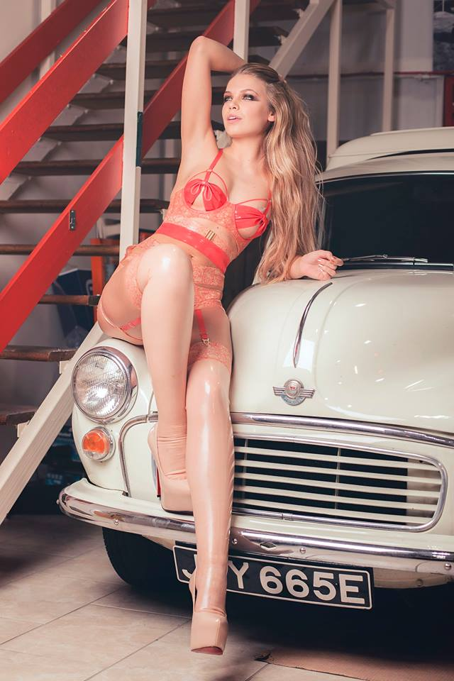 5cd4e3082 Elissa Grainger (Elissa Poppy)