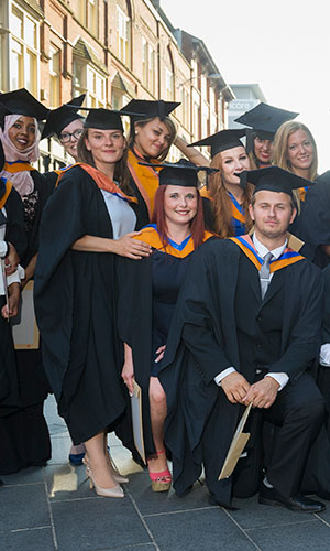 Guidelines for ordering academic dress - De montfort university international office ...