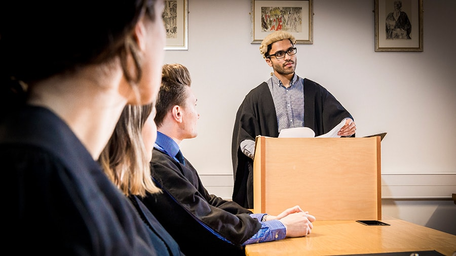 criminal justice degree coursework Explore a criminal justice degree to find the school with  in addition to senior-level coursework,  a criminal justice administration degree may help graduates.